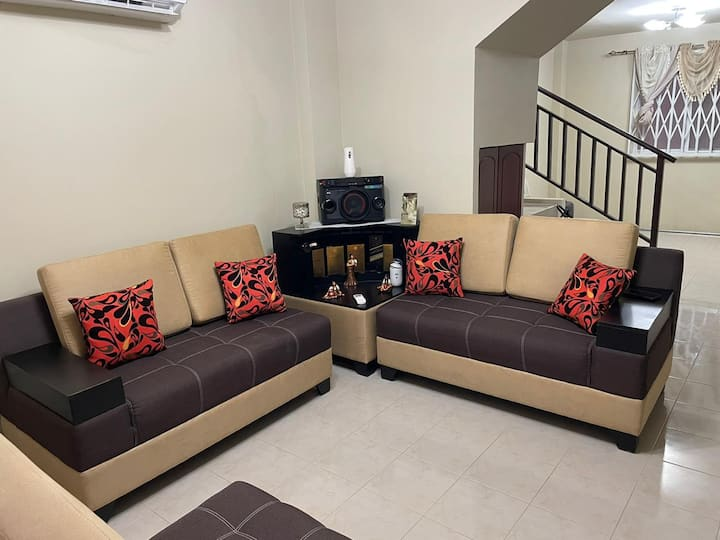Casa nueva, cómoda,  100 % segura y Full amueblada