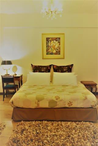 Magnolia 1BR: Downtown Chiangmai Cozy Suite - เชียงใหม่ - ทาวน์เฮาส์
