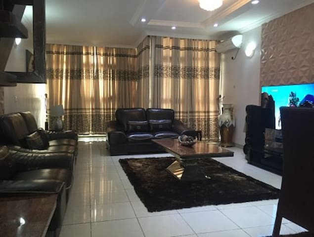 Barking and Dagenham - Lagos - Appartement