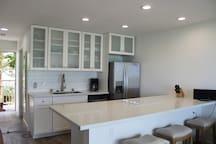 New white and bright kitchen