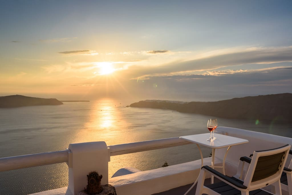panoramic view to the sea, sunset, caldera from your balcony