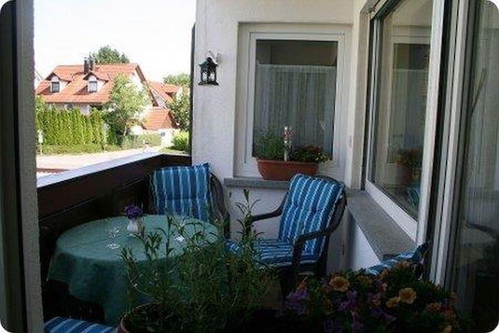 Wohlfühlhaus Christa, (Langenargen am Bodensee), Ferienwohnung, 75qm, 2 Schlafräume, Balkon, max. 4 Personen