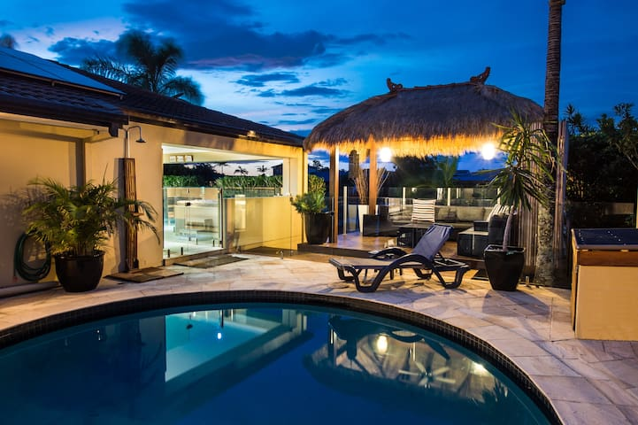luxury waterfront family friendly