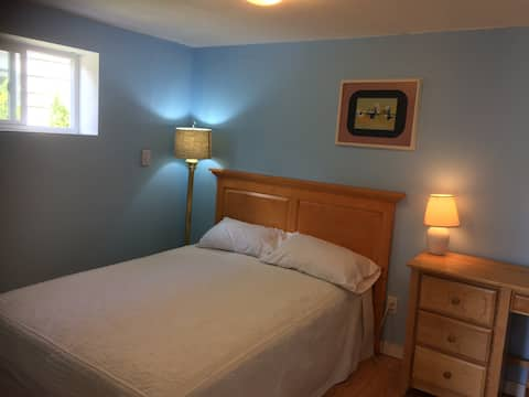 Affordable private room near Edmonds Station #5