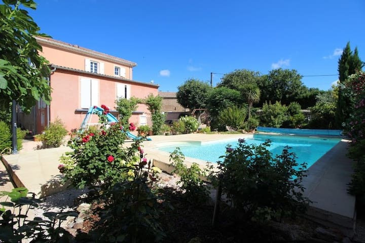 4 bedroom villa w pool in Languedoc-Roussillon