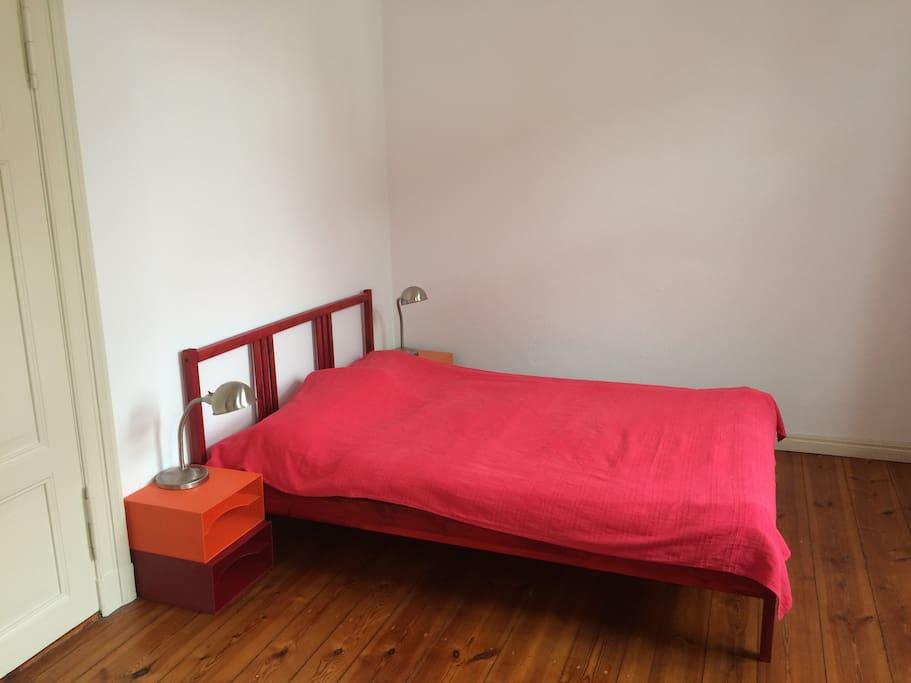 Bett 140x200 cm