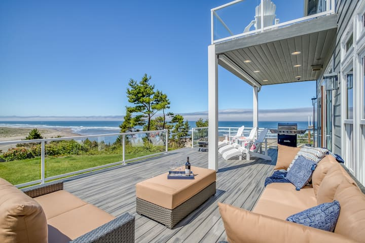 Panoramic Oceanfront and Bayfront Contemporary Luxury Home with Four Bedroom Suites!