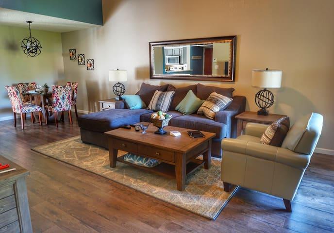 Beautifully Renovated Refuge - Scottsdale - Apartment