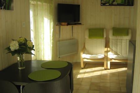 joli studio dans vieille longère - Plonévez-Porzay - Casa