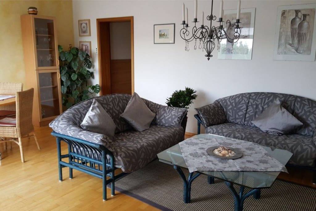 Helle 62m ferienwohnung nahe zentrum apartments for for Augsburg apartments for rent