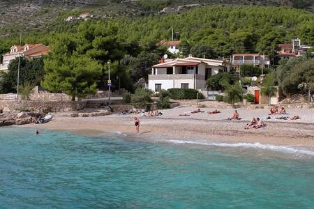 One bedroom apartment near beach Ivan Dolac, Hvar (A-130-c) - Ivan Dolac - Appartement