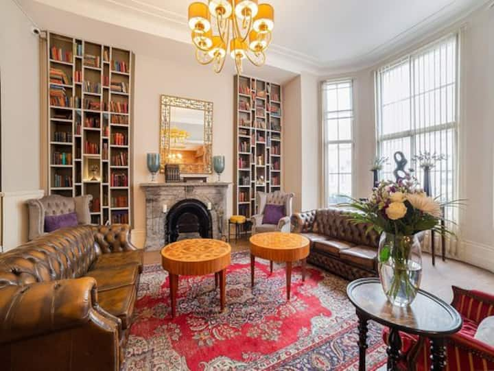 Budgeted cozy double beds in Kensington, London