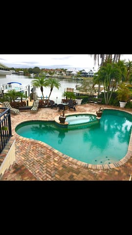 Luxurious waterfront home - Largo - House