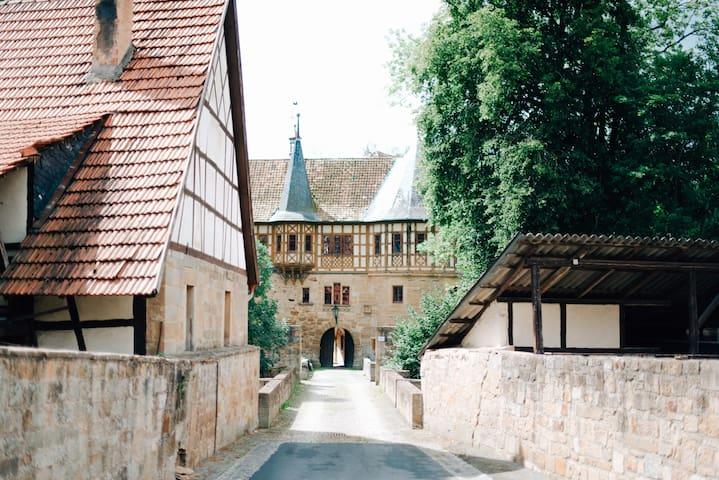 Urlaub im Wasserschloss Irmelshausen