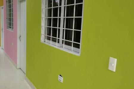 Villa Corales, Habitación #4 Limón (3-5 personas)