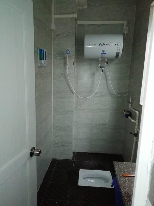 独立卫生间,24小时全天候热水
