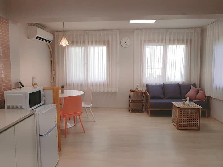 [NEW] 신규오픈!! 헤이 송정하우스(F1# 1층)  송정해수욕장 도보 2분거리 단독주택