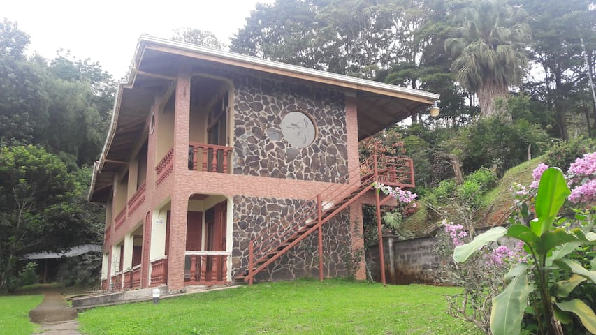 Estancia Tinamastes Hotel - San Isidro de El General - 精品飯店