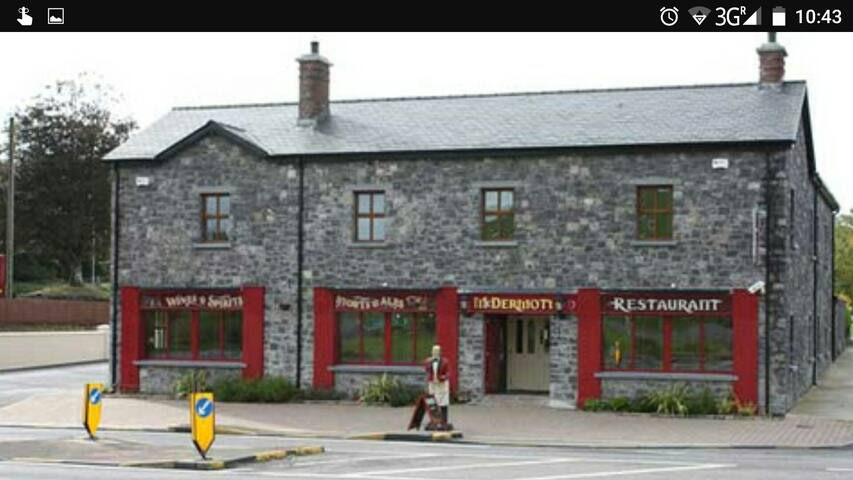 McDermott's pub and restaurant in Castlebaldwin