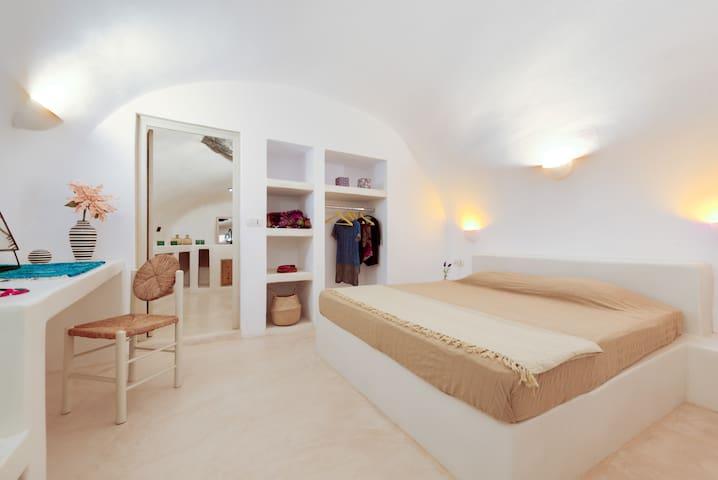 Τhe second bedroom