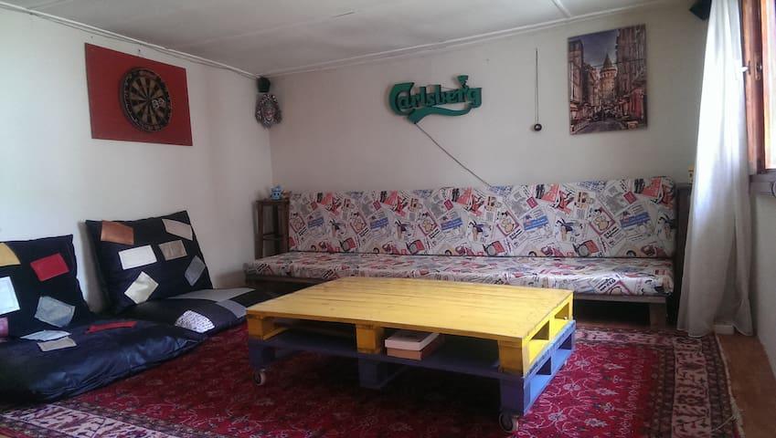 Tarihi sokak'lar ve Küçük avlu - Ayvalık - House