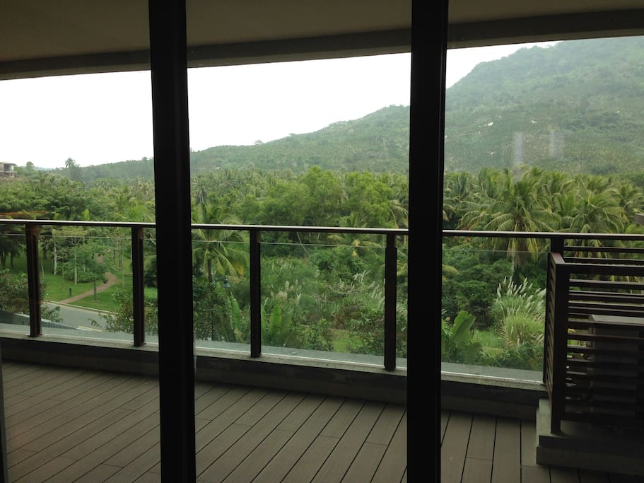 balcony that facing mountains