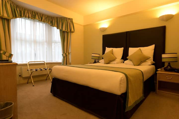 Stylish Single Occupancy Room in Family Run Hotel