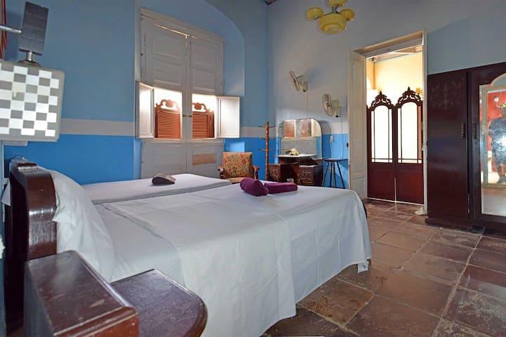 Casa Elda y Roberto. (Room #1)