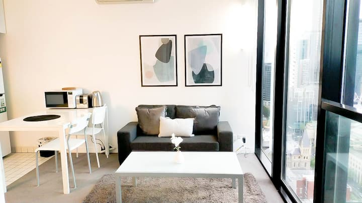 Heart of Melb.City-Comfy 2 Bedroom Apt w View/WIFI