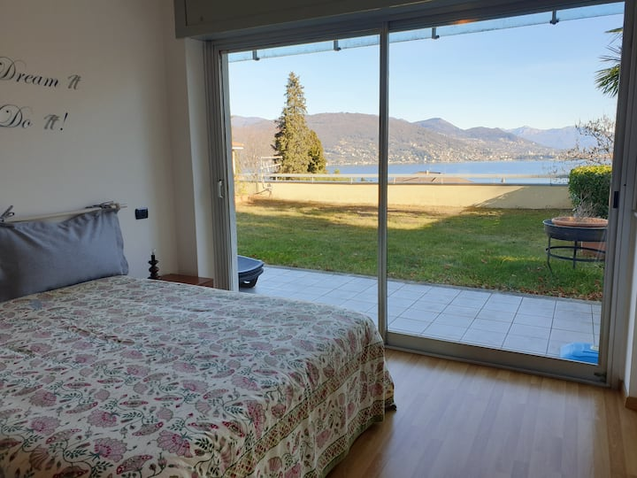 Charme and Relax Apartment with Maggiore Lake view