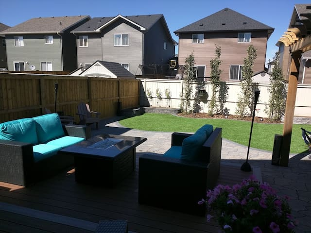 Your Luxury Home Awaits.. - Airdrie - Talo