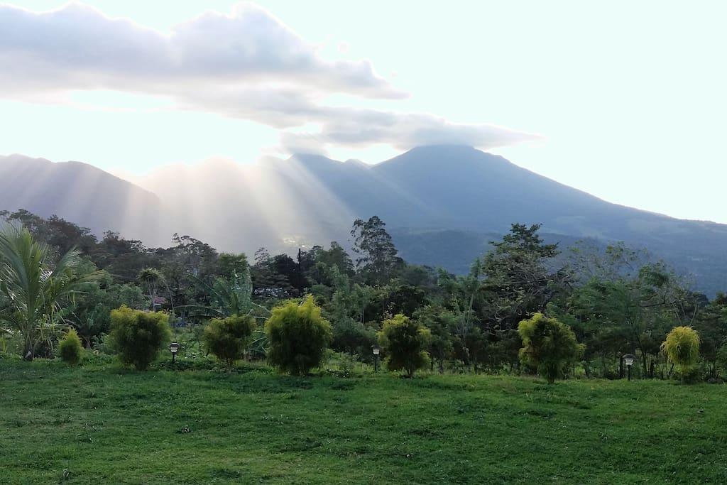 Atardecer vista Volcán Miravalles.