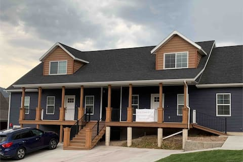 King Creek Vacation Home West (New Build on Main)