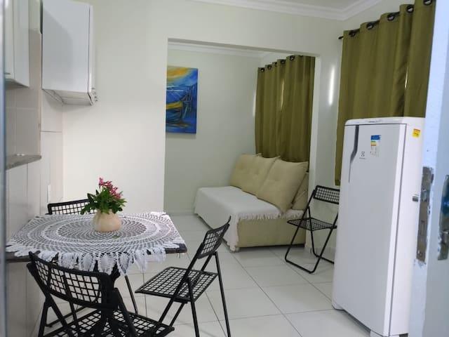 Casa hosp/segura- P 4 pessoas, cap. até 6 c tx adc