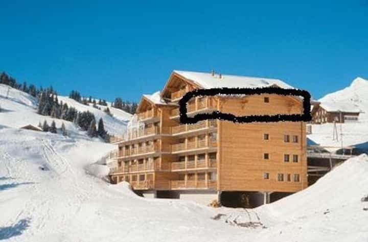 Sundance 14, huge 125sqm ski in ski out apartment