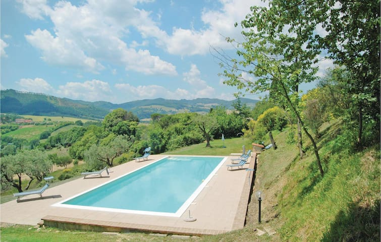 Holiday apartment with 2 bedrooms on 55 m² in Gubbio PG