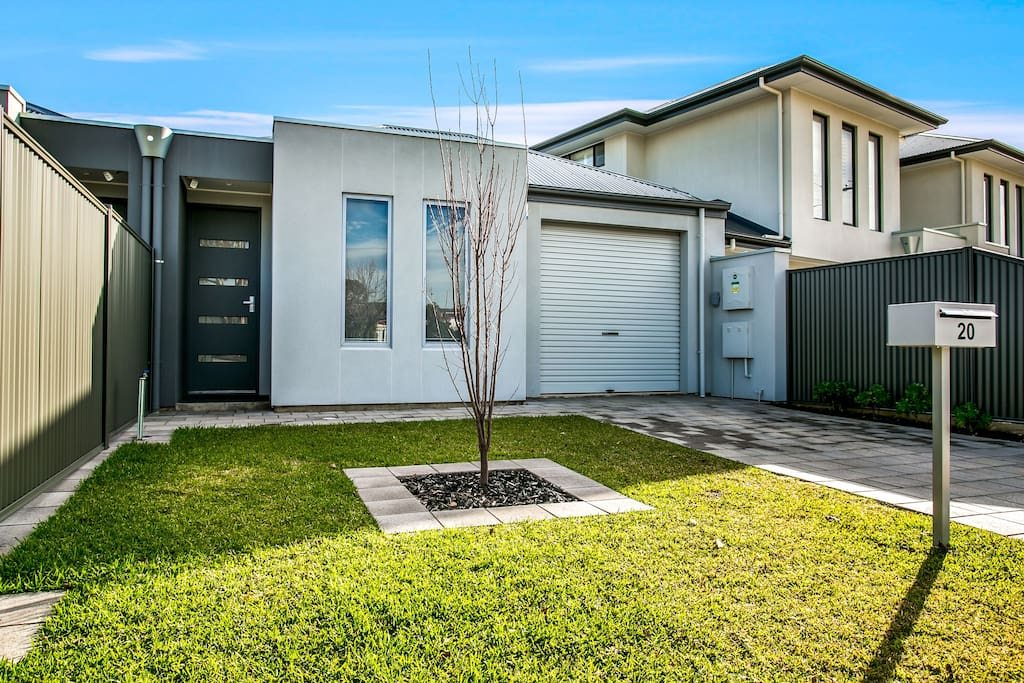 New 3 bedroom house in Adelaide