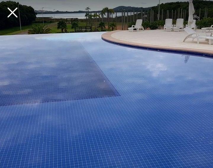 Casa em Condomínio Fechado na Praia do Rosa