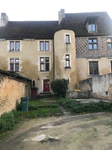 Studio la Ferté Bernard centre ville.