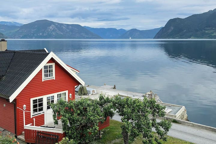 8 person holiday home in Leikanger