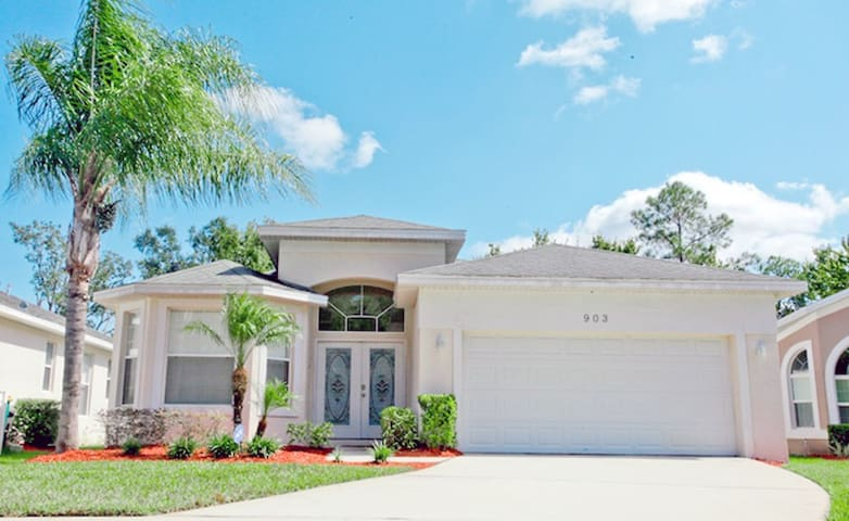 Home near Disney 4br with pool - Kissimmee - House