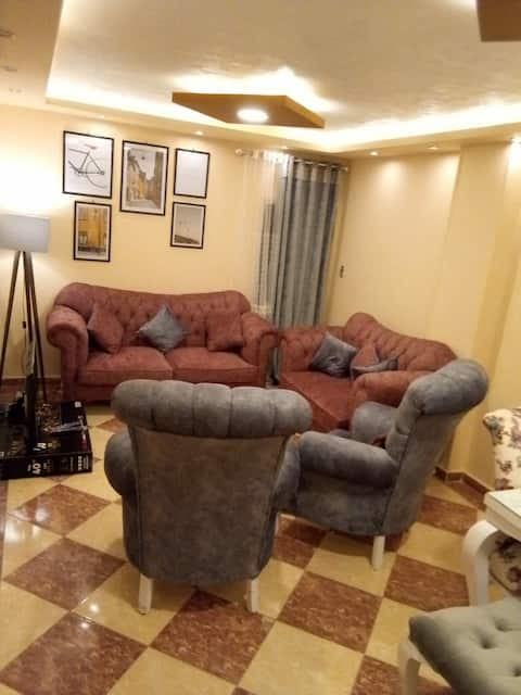 Charming, newly furnished 3BR apt in Main in Cairo