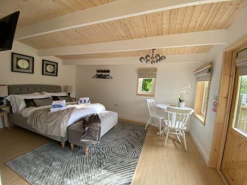 Hazel Cottage-Połącz się z naturą w jacuzzi