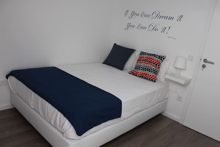 UAU! Hostel - Double Room - Figueira da Foz - Квартира