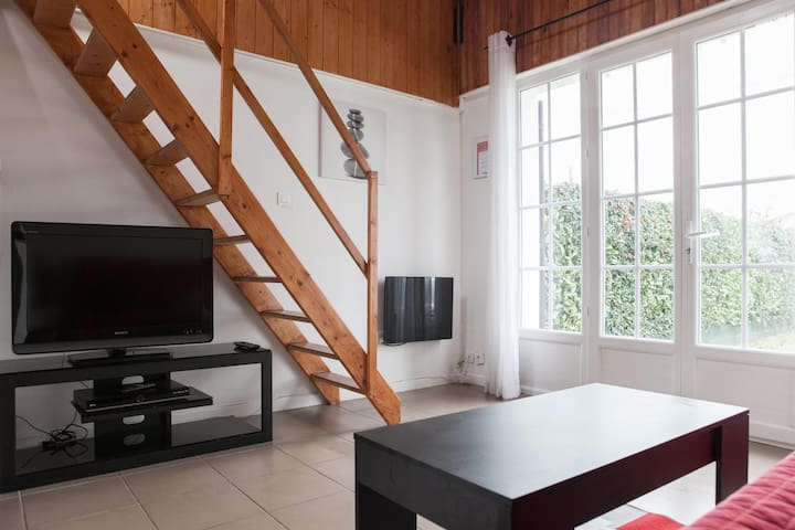 charmante studio - Toulenne - Appartement