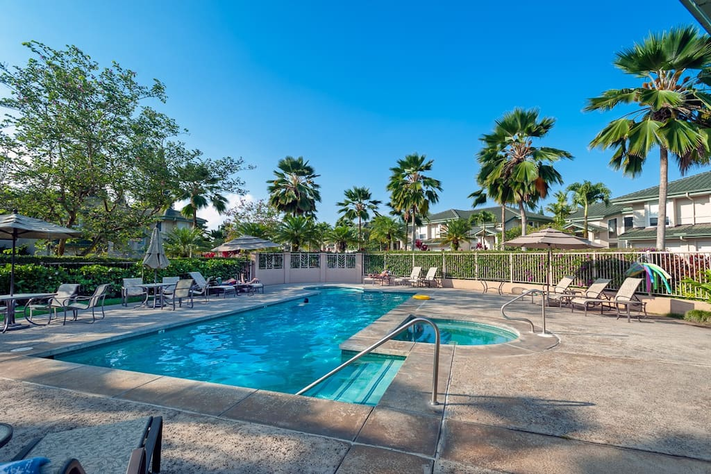 Swimming pool for our Kauai vacation rentals at Villas of Kamalii