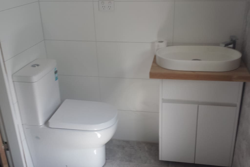 Full bathroom includes shower recess all new