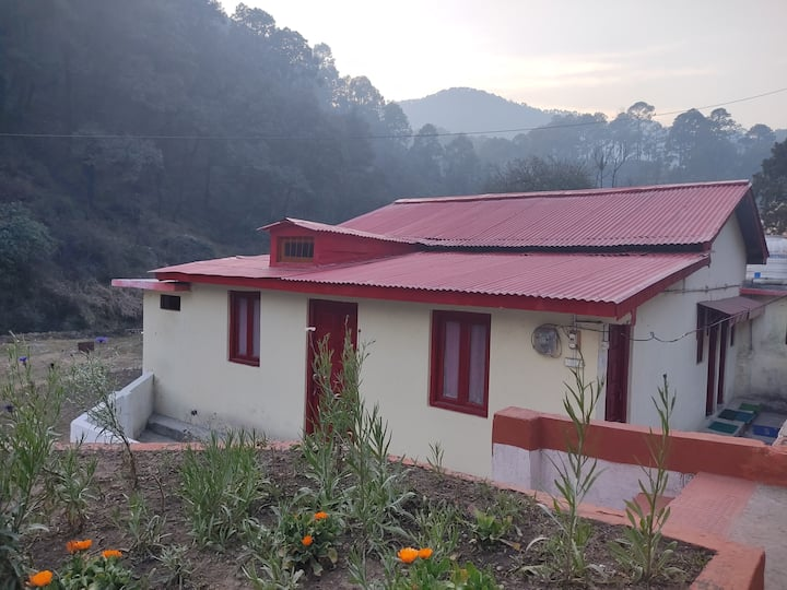 Beautiful Hill Station with 4 lakes nearby