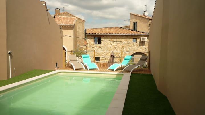 Maison dans l'Hérault avec jardin et piscine