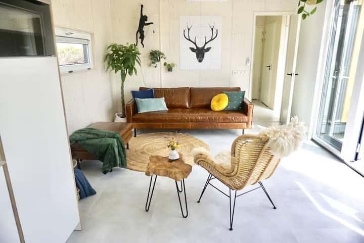 Buitenhuis, duurzaam design chalet op Terschelling